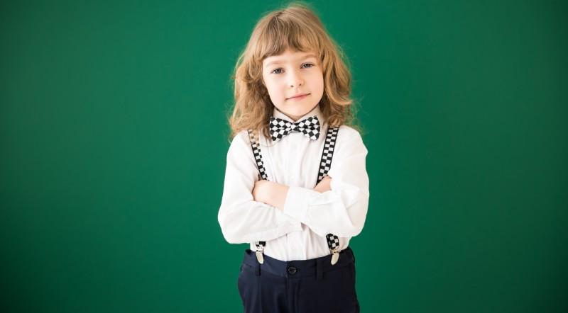 cu ce sa imbraci copilul la scoala