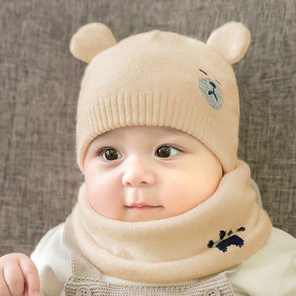 Caciula tricotata bebelusi